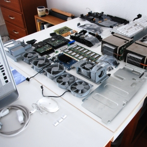 a table of G5 computer parts