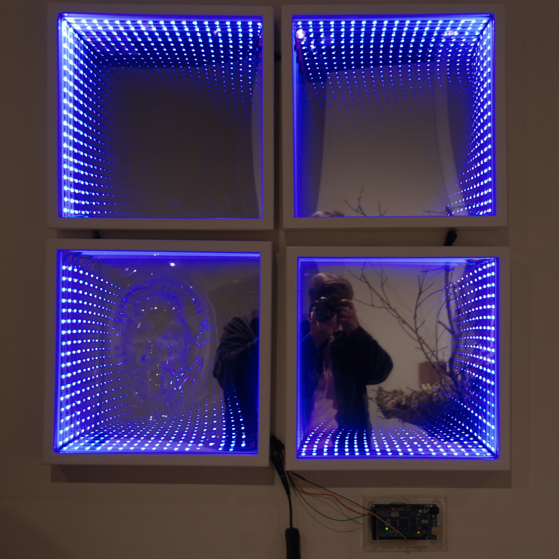 Infinity mirror with an acrylic face shutterthymes blog four white frames with an outer border infinity mirror jeuxipadfo Image collections